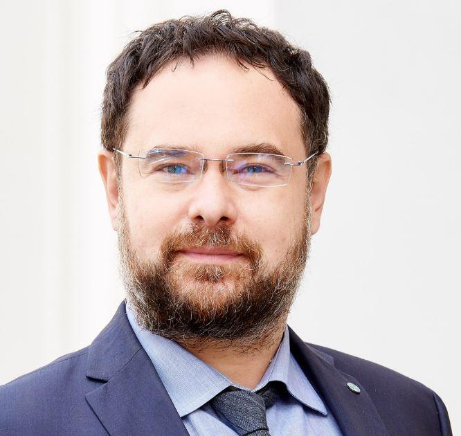 Adrian Codirlașu, CFA