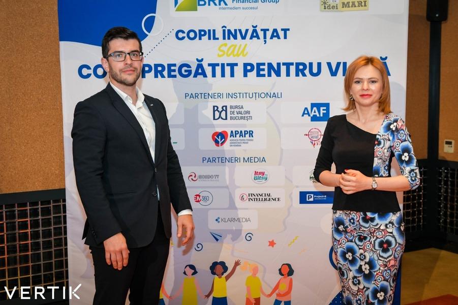 Valentin Maior, Daniela Srtban, VERTIK