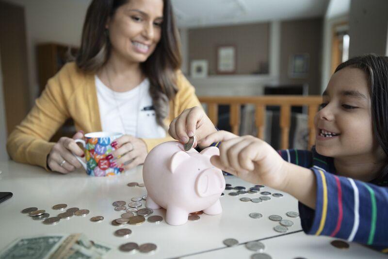 Cum pot economisi copiii